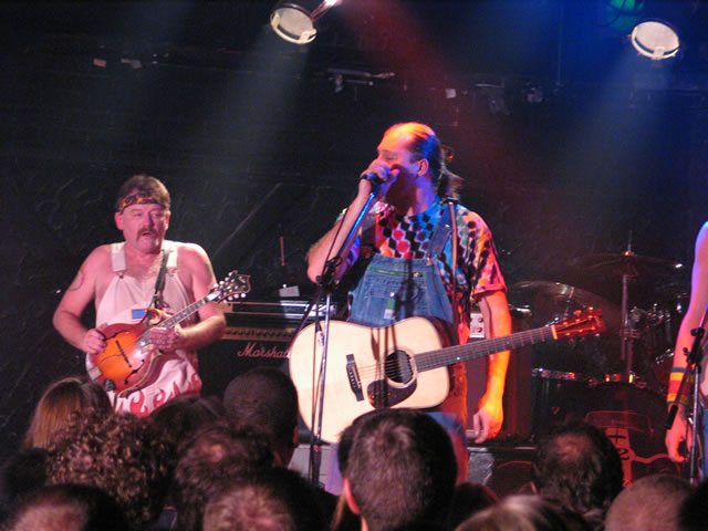 Supporting  Hayseed Dixie - 07/11/2004